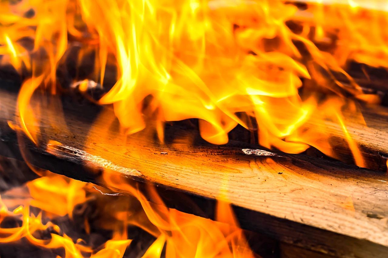 Comment bien se chauffer avec une cheminée ?